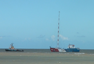 Communicator leaving Lowestoft