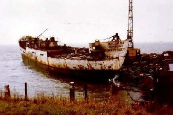 Magdalena being scrapped